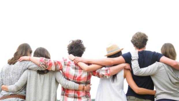 Кога познанството се превръща в приятелство?